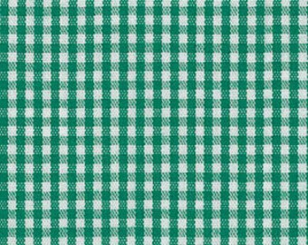 Green Check Fabric, Fabric Finders, Kelly Green Gingham Fabric – 1/16″ 100% cotton gingham