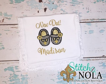 Fleur de Shoes Bib & Burp Cloth