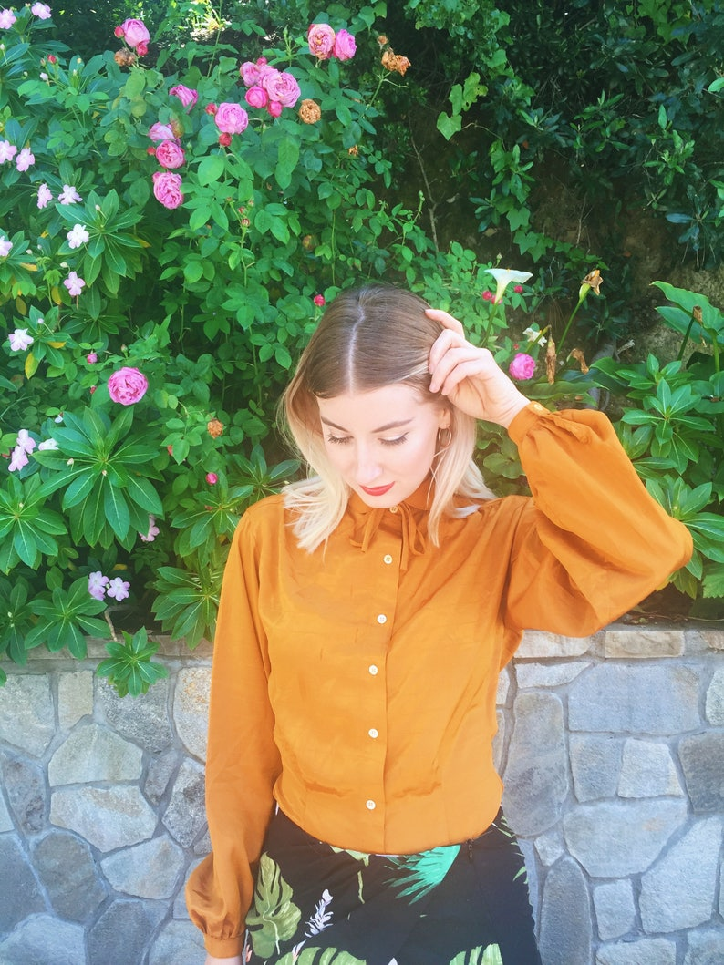 Button-Down Blouse Long-Sleeve Summer Blouse Gold Shirt Balloon Sleeve 1980s Liz Claiborne Mustard Blouse with Pin-Stripes and Bow Tie