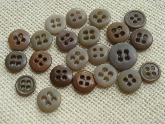 round 4 hole 19mm neutrals cream browns Buttons x 100