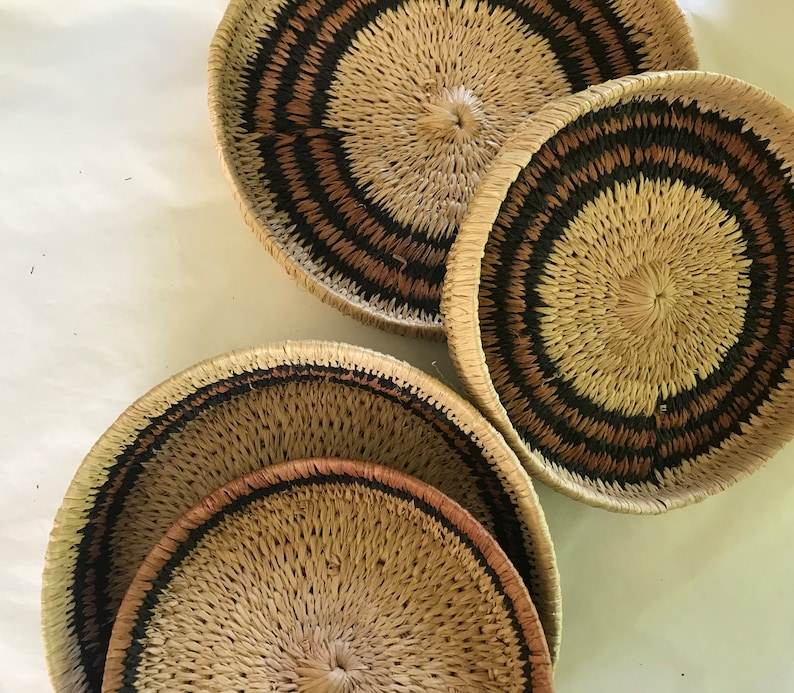 Set of 2 African boxes made of raffia