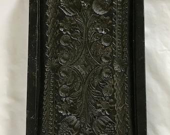 Wax decorative element