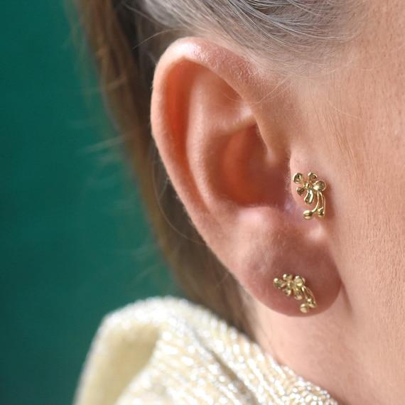 Gold Tragus Ohrring, Tragus Piercing, Tragus Schmuck, Helix Piercing, indische Nase Ring Stud, einzigartige Blume Nase Stud, 16g, 18g, 20g, 22g
