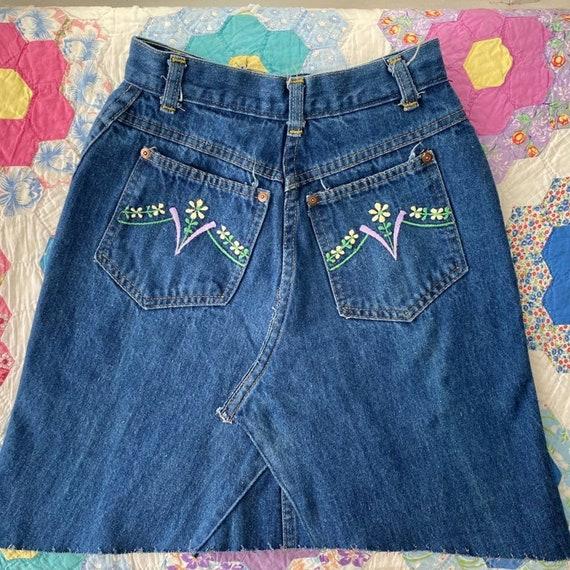 70's Denim Embroidered Mini Skirt Upcycled - image 9