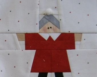 Paper Pieced Mrs. Claus Block