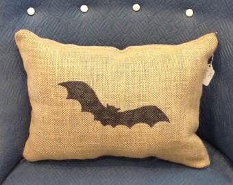Bat Burlap Halloween Pillow, Bat Pillow, Burlap Pillow, Halloween Pillow, Halloween Decorations, Front Porch Pillow, Throw Pillow, Gift