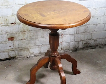 Small Oak Wine Table Side Table Pedestal Plant Stand round Heavy Beautiful