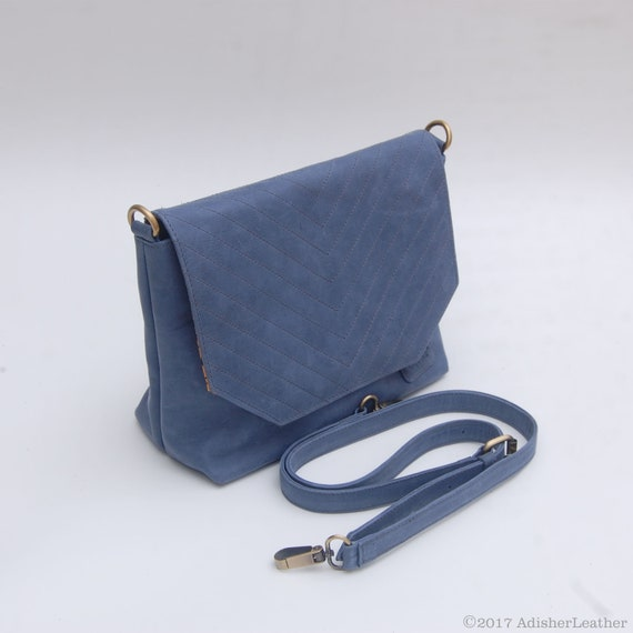 Vintage Navy Blue Leather Messenger Crossbody Shoulder  489fe031bc