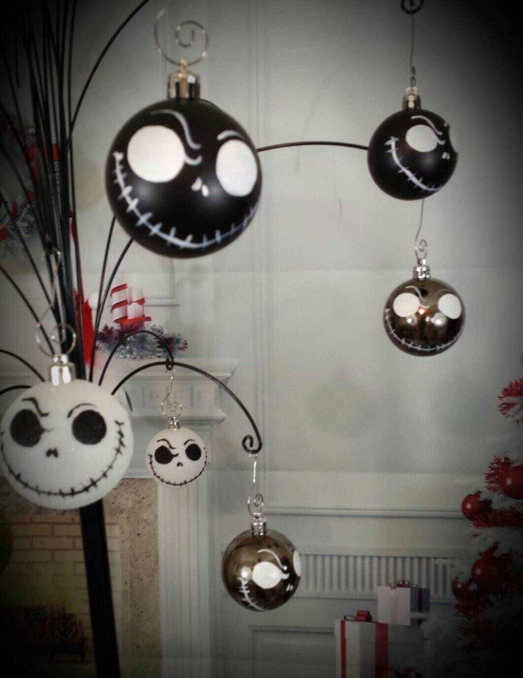 Alptraum vor Christbaumschmuck von hand bemalt Ornament | Etsy