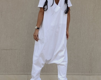 Summer White Drop Crotch Jumpsuit, Loose Wide Leg Romper, Designer Oversized Onesie, Cotton Low Crotch Sleeveless Romper, Union Suit Women