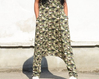 Military Design Boho Chic Woman Romper, Low Crotch Military Green Harem Jumpsuit, Pocket Ladies Romper, V Neck Woman Military Overall Cozy