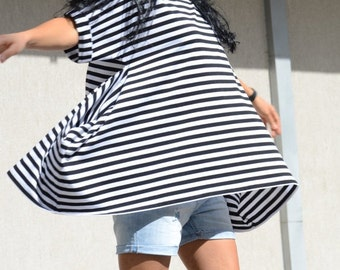 Scandinavian Stripes Asymmetrical Oversize Top with Short Sleeves, Summer Maternity Slouchy Tee, Cute Maternity  Blouse, Summer Maternity