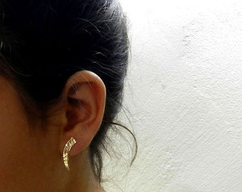 Minimalist ear climber , Hammered gold earrings , Modern Jewelry , Gold ear pin earrings . Minimalist Ear cuff ,  trendy jewelry