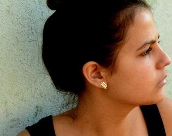 Minimalist ear climber, Nature earring , Modern Jewelry , Gold ear pin earrings , Minimalist Ear Sweep , nature jewelry