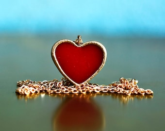 Red heart necklace in vintage style design, romantic red necklace with red heart, love necklace, heart jewelry, romantic jewelry,
