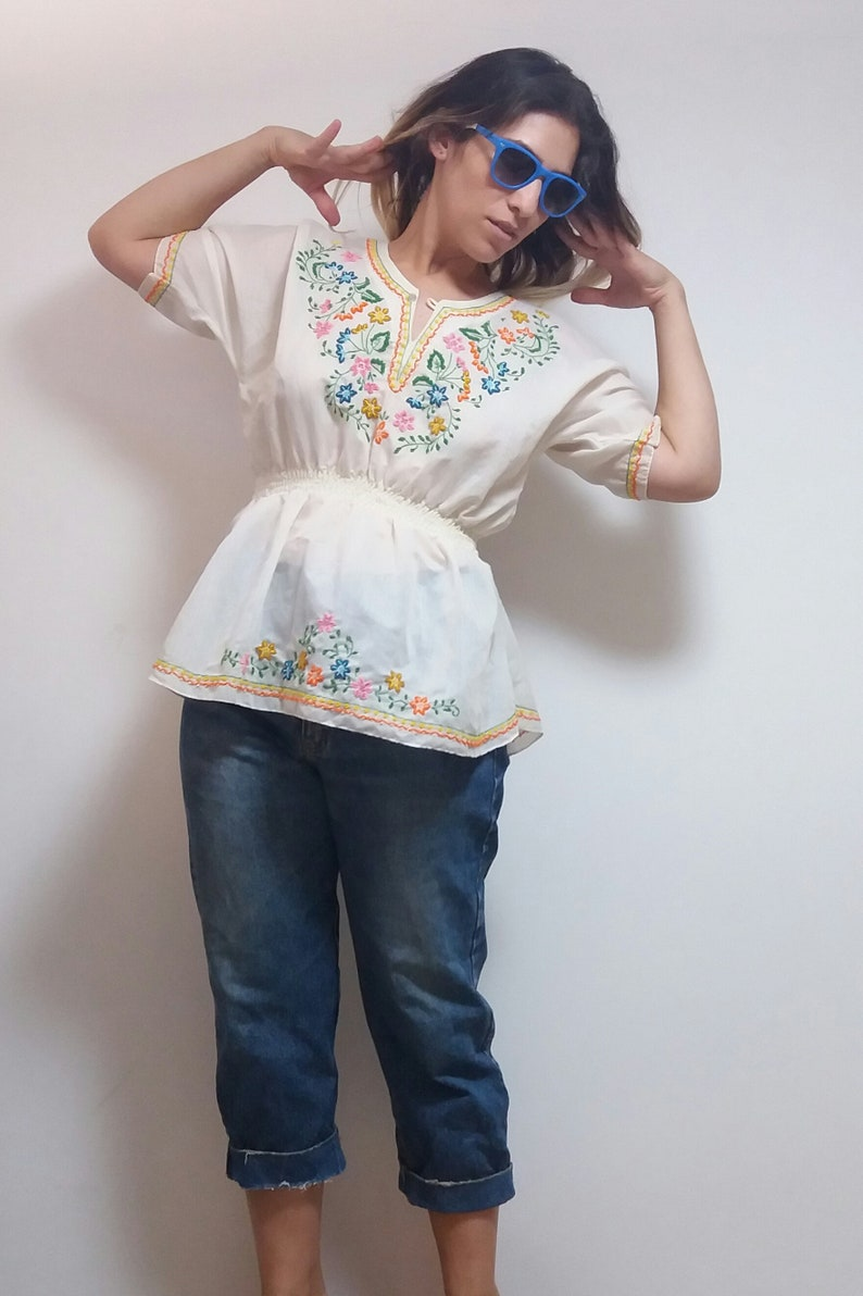 Vintage white rainbow embroidered floral pattern 60s 1960s crop top shirt blouse
