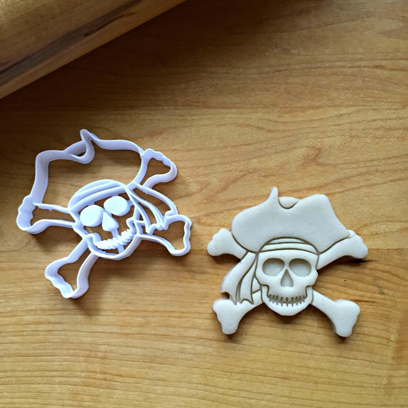 Set of 2 Skull and Cross Bones  Cookie CuttersMulti-Size