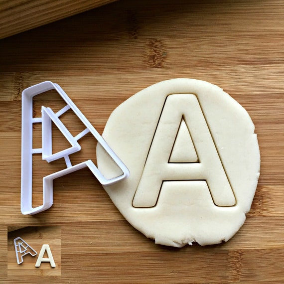 3 tailles-anniversaire Varsity numéro 1 Cookie Cutter-Biscuit Cutter-One