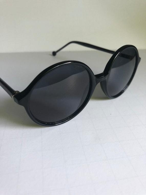 Vintage Round Retro Sunglasses - image 4