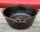 Wagner cast Iron 5 qt Dutch oven made in USA