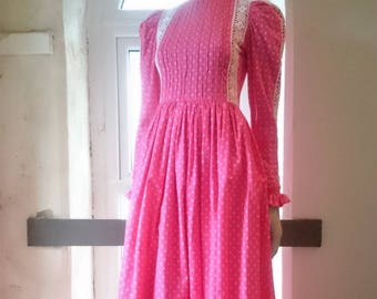Laura Ashley Dyers and Printers - Made in Wales - 1970s - Original Boho - Prairie dress - Victoriana