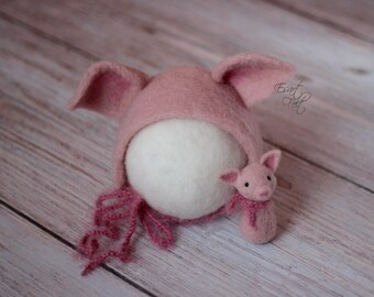 3ebc5b6cf Felted newborn piglet set, felted piglet bonnet and stuffy, newborn pig hat,  felted photography props, newborn felted props, MADE TO ORDER