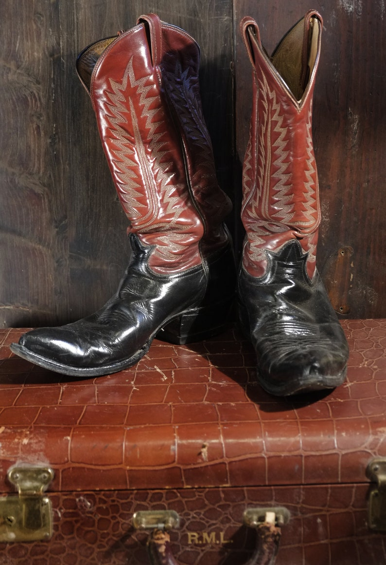 1e7c9770f5f32 Vintage Black Label 2 Tone Tony Lama Western Boots Brown Stitched Tops  Black Bottom Pointy toe 10D