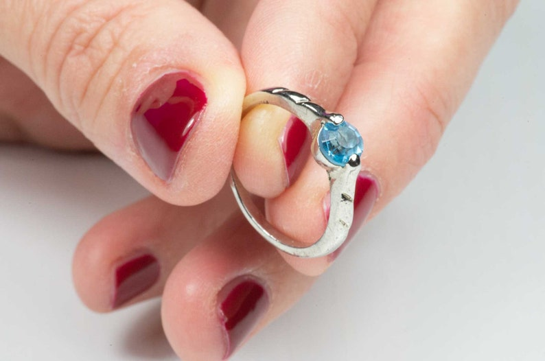 Vintage solitary ring for women with tourquoise stone image 0