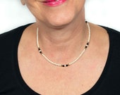 AVON vintage 70s pearl necklace for women