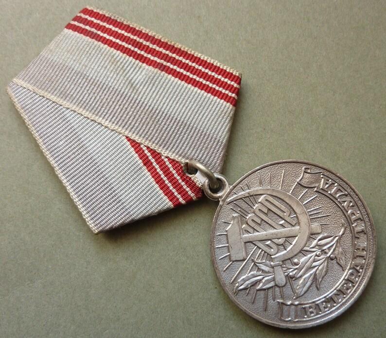 Original Soviet Russia Award - The Veteran Of Labour Medal  Nice Condition