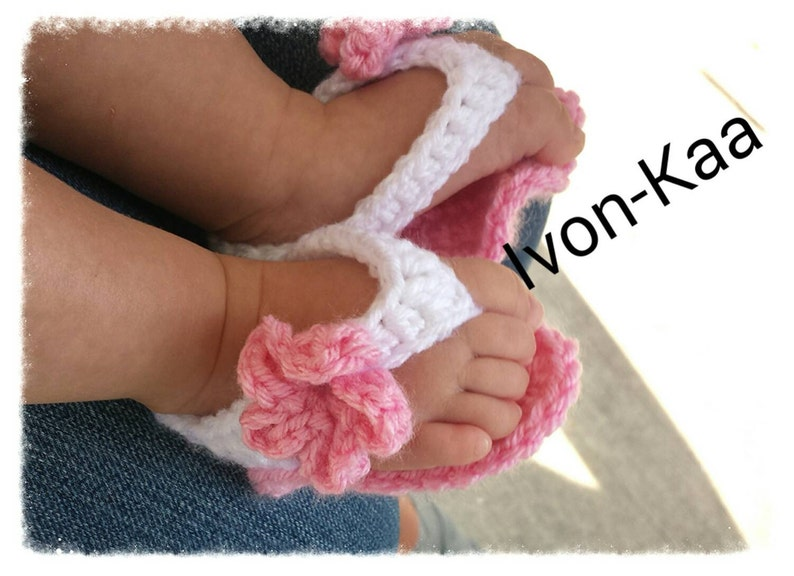 f0049d6e73245 Sale Baby girl crochet shoes sandals with big flower, flipflop, gladiator  0-12 months, MADE TO ORDER..