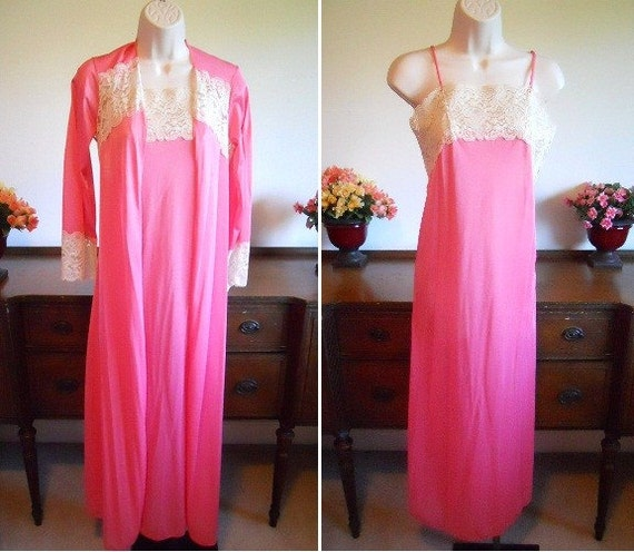 Vintage MOVIE STAR Pink Chiffon Peignoir Set ~ 196
