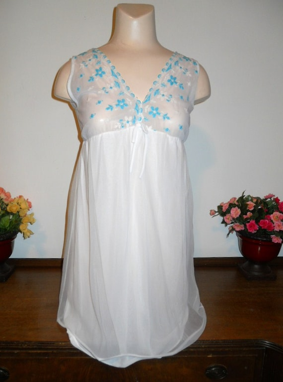 Vintage White Chiffon Nightgown ~  1960's Nightgow