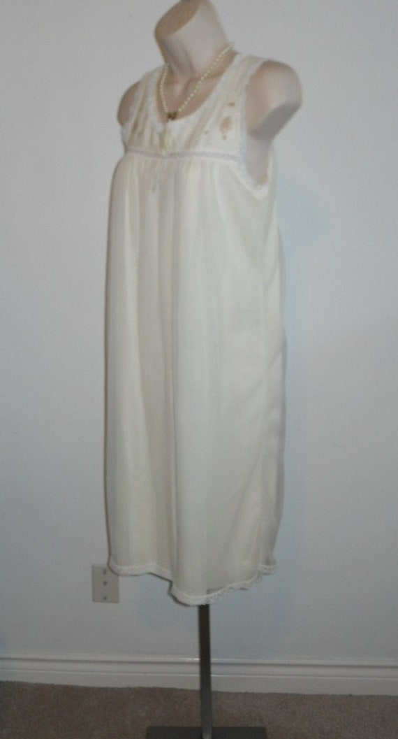 Vintage Vanity Fair Nightgown~ 1950's Soft Yellow… - image 5