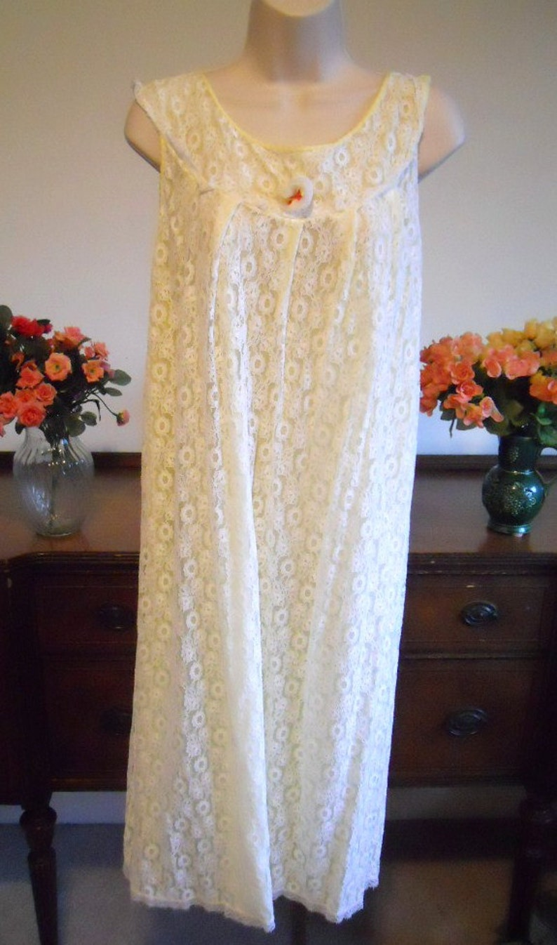 Vintage 1950/'s Lacy  Nightgown ~ 1950/'s Bridal Gown ~ Elegant ~ Romantic ~ All Lace Over Chiffon ~ VLV ~ Lolita ~ Size Medium