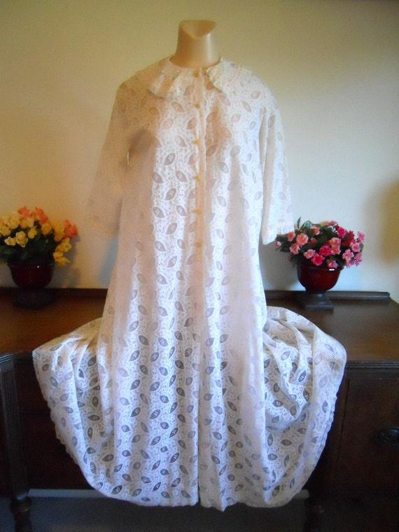Vintage Lacy White Chiffon Peignoir ~ 1960's Peign