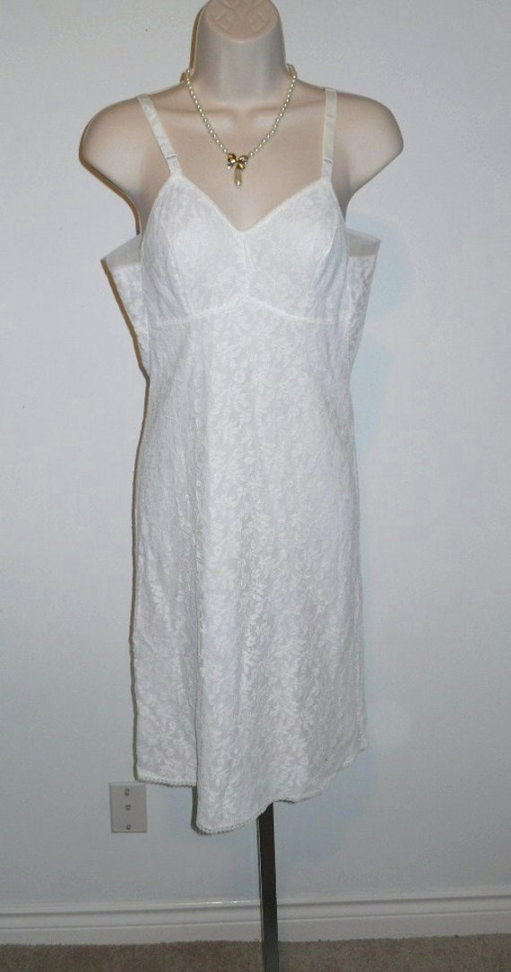 Vintage Fancy 1950's Love Lines White Lace Full Sl