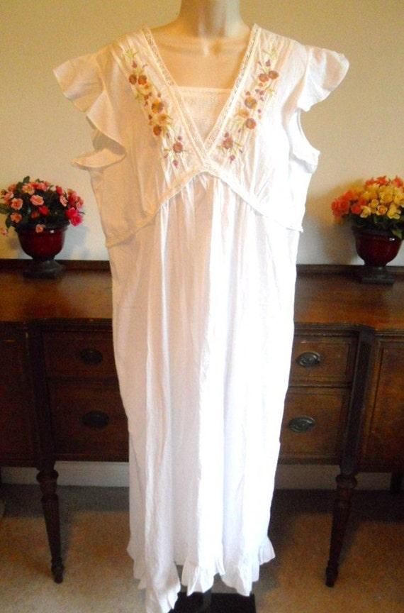 Vintage April Cornell Long White Cotton Victorian