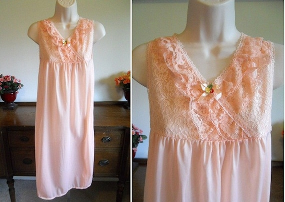 Vintage Peach Nightgown ~ 1980's Peach Pink Nightg