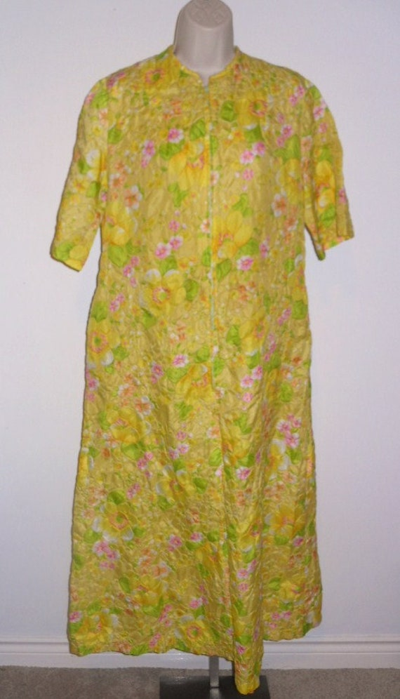 Vintage 1960's Mr Robert Housecoat ~ Dressing Robe
