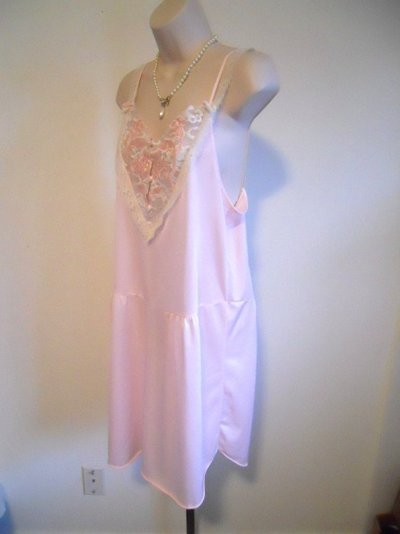 Vintage Pink Lacy Nightgown ~ 1960's Canadian Mai… - image 4