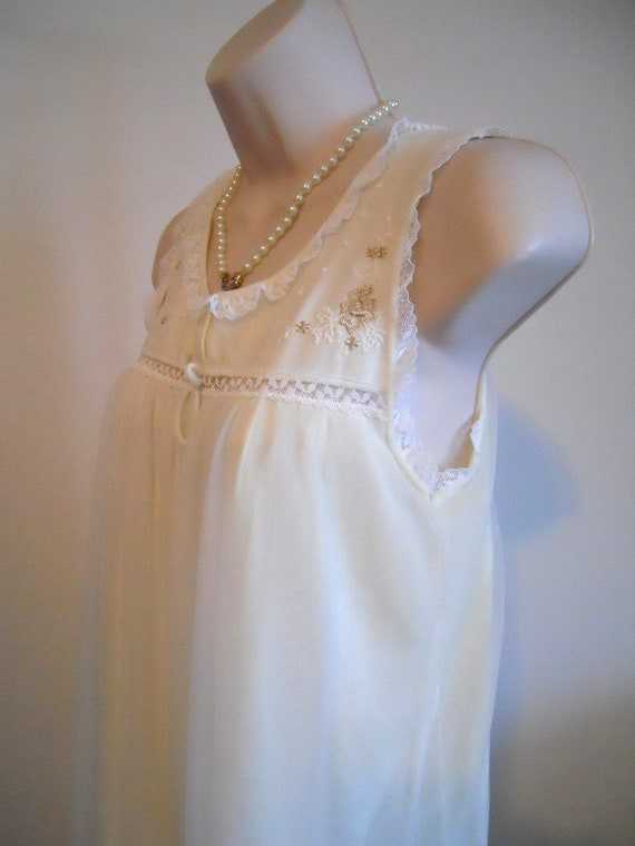 Vintage Vanity Fair Nightgown~ 1950's Soft Yellow… - image 4