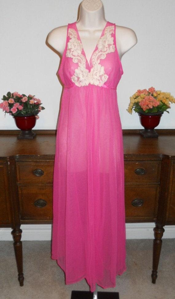 Vintage  ARISTOCRAFT Fancy Pink Nightgown ~ 1950's