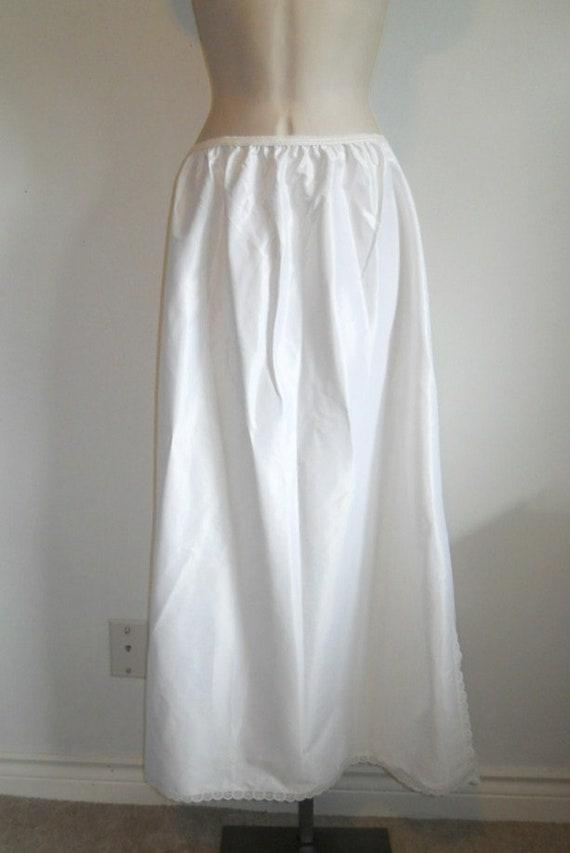 Vintage Lorraine Pillow Tab Half Slip ~ 1960's Whi
