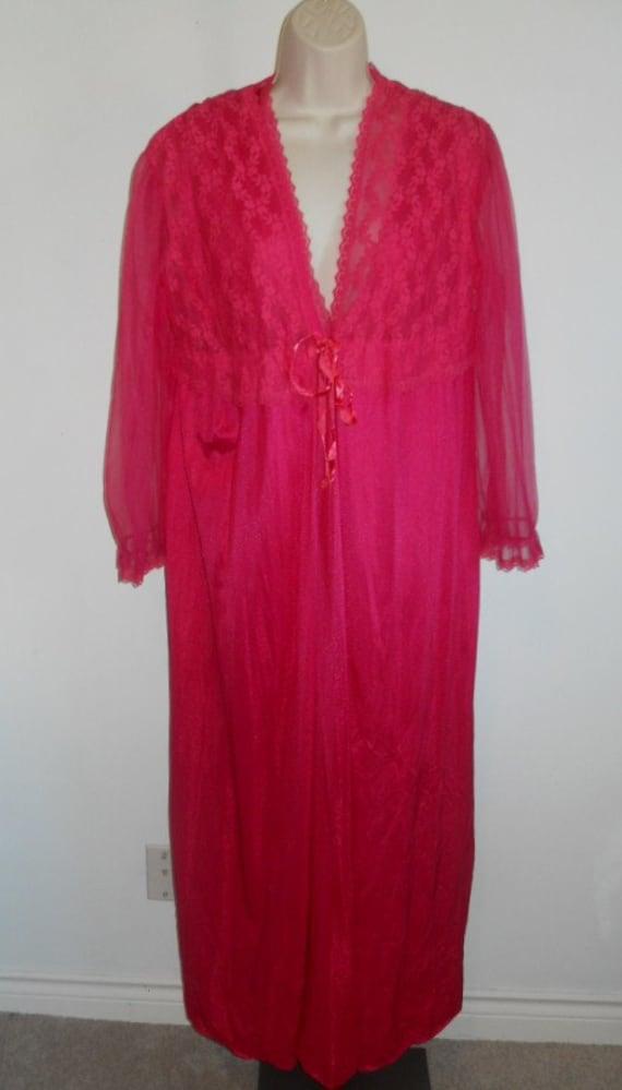 Vintage Raspberry Pink Long Peignoir Set ~ 1970's