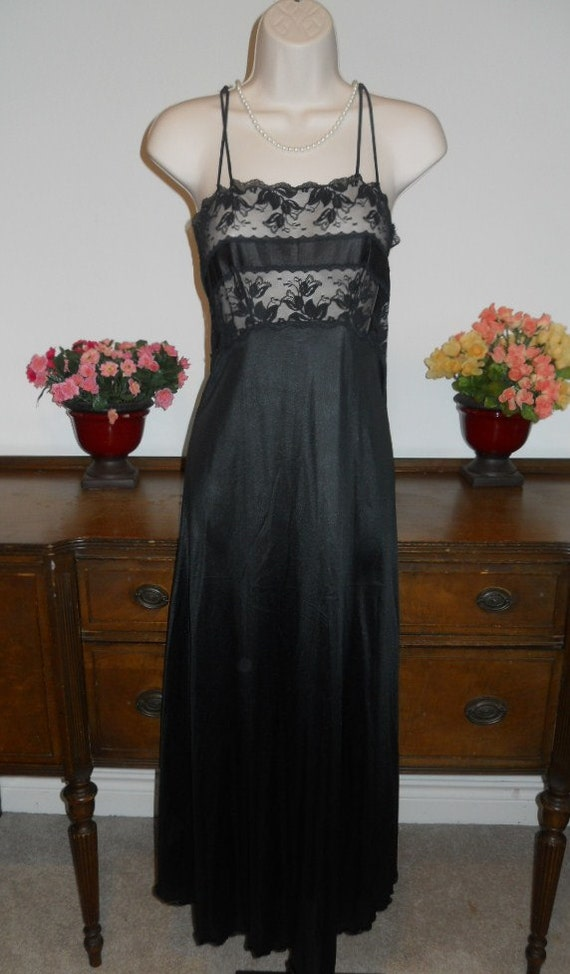 Vintage  Black Nightgown ~ 1970's Van Raalte  Long