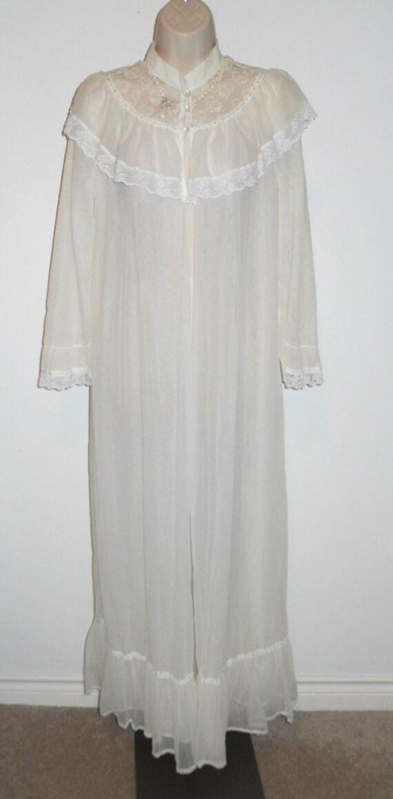Vintage Victorian Style Peignoir Negligee ~  White