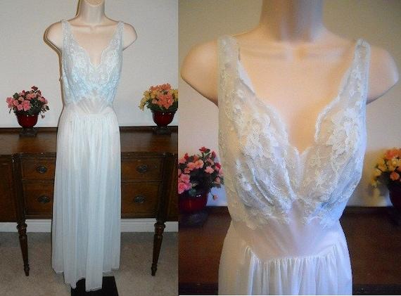 Vintage Blue Vanity Fair Nightgown ~ 1960's Ultra