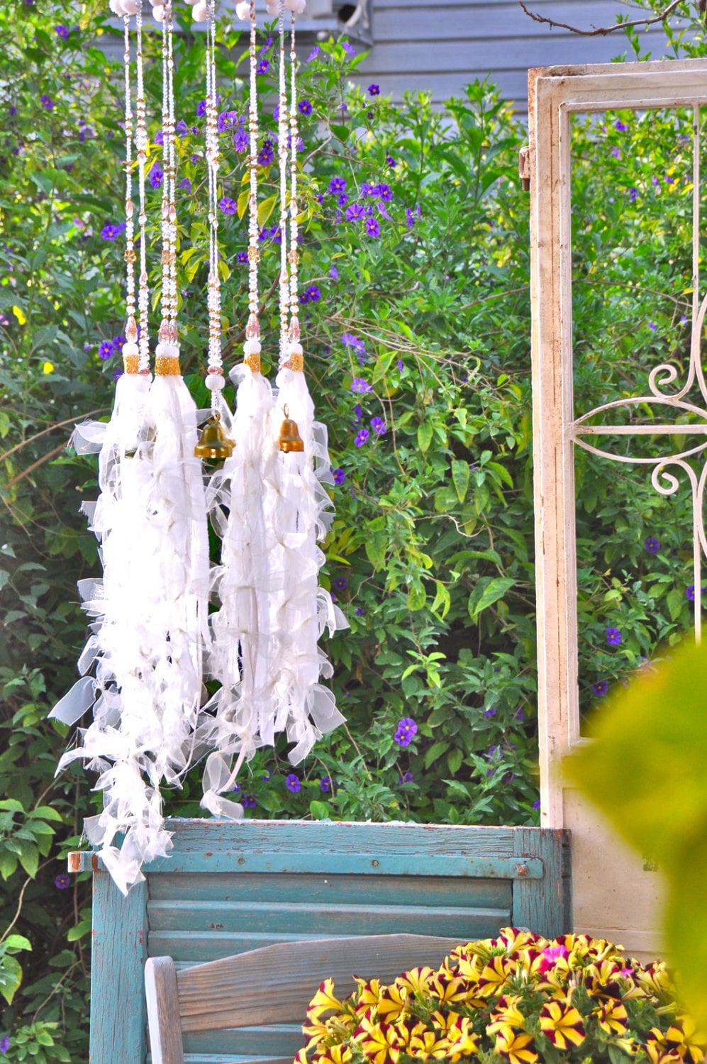 unique wind chimes outdoor wind chimes garden wind chime. Black Bedroom Furniture Sets. Home Design Ideas