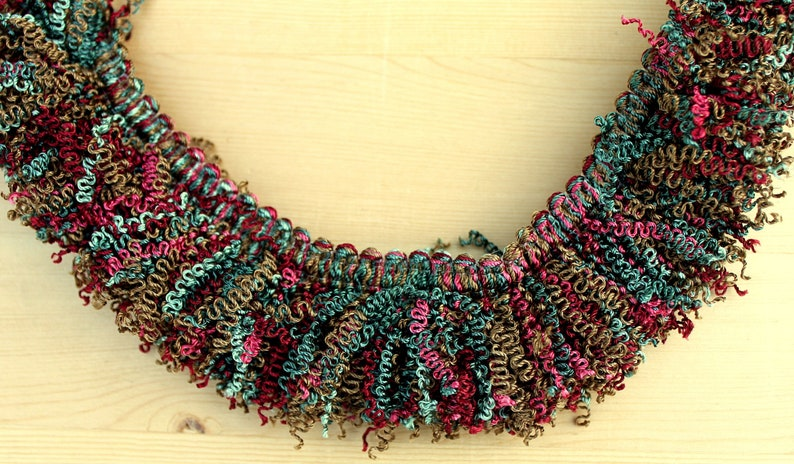"""1"""" Wood  Bead Fringe With 3//4 """" Ribbon Banding BTY"""